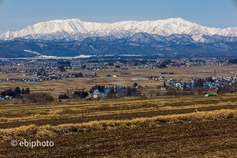 会津の美しい山々と雪景色