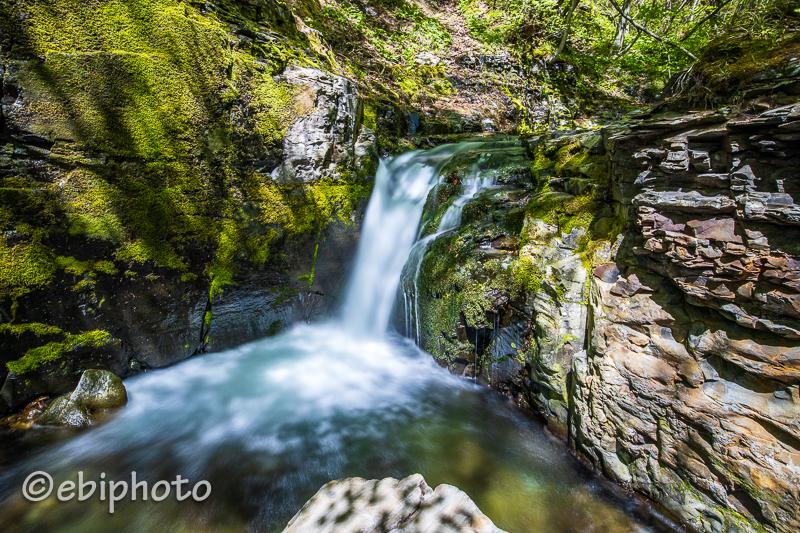 今日の一枚 笹谷峠の小さな滝