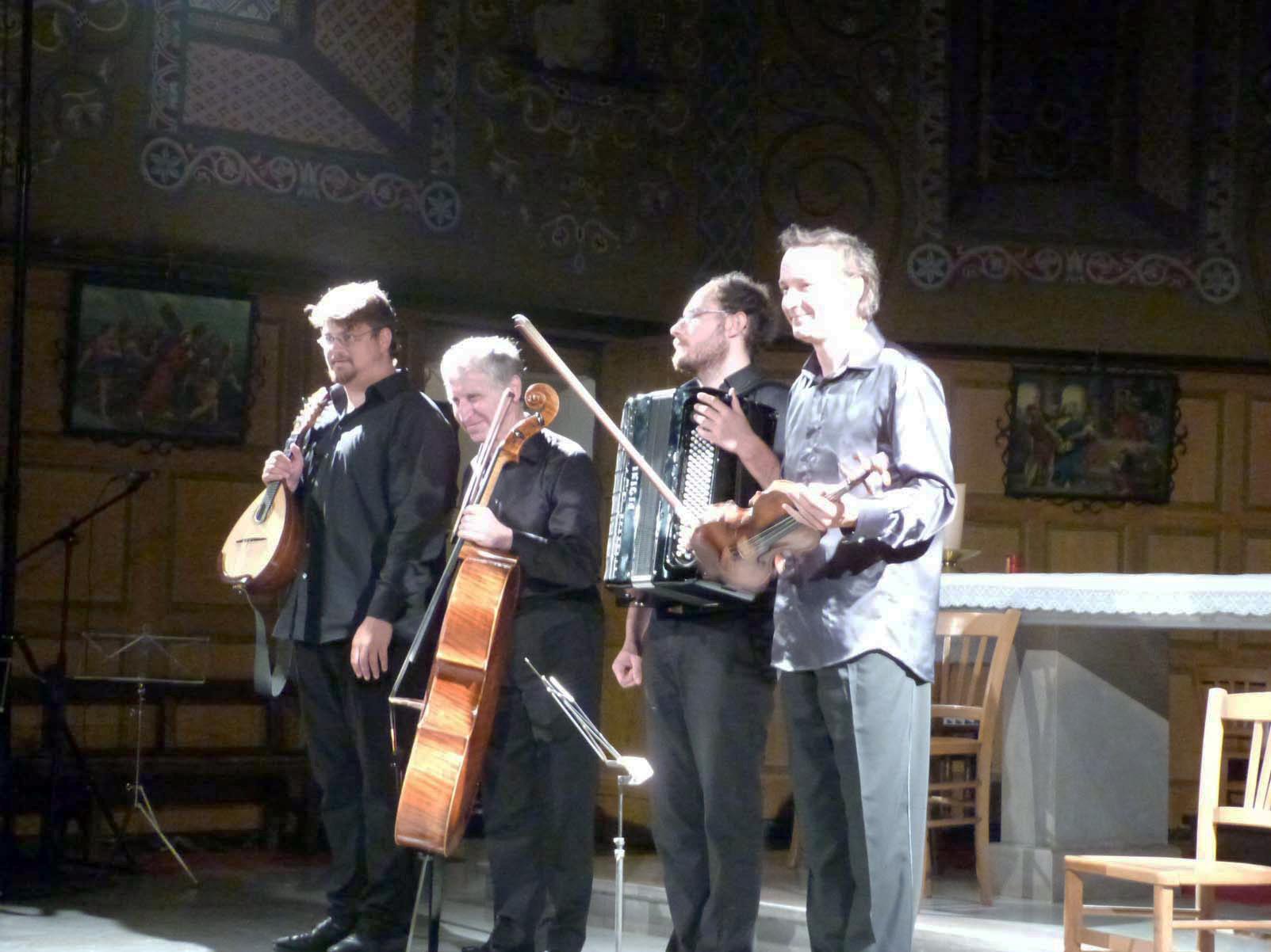 Vincent Beer-Demander, Mandoline / Yehuda Hanani, Violoncelle / Grégory Daltin, Accordéon / Dejan Bogdanovic, Violon