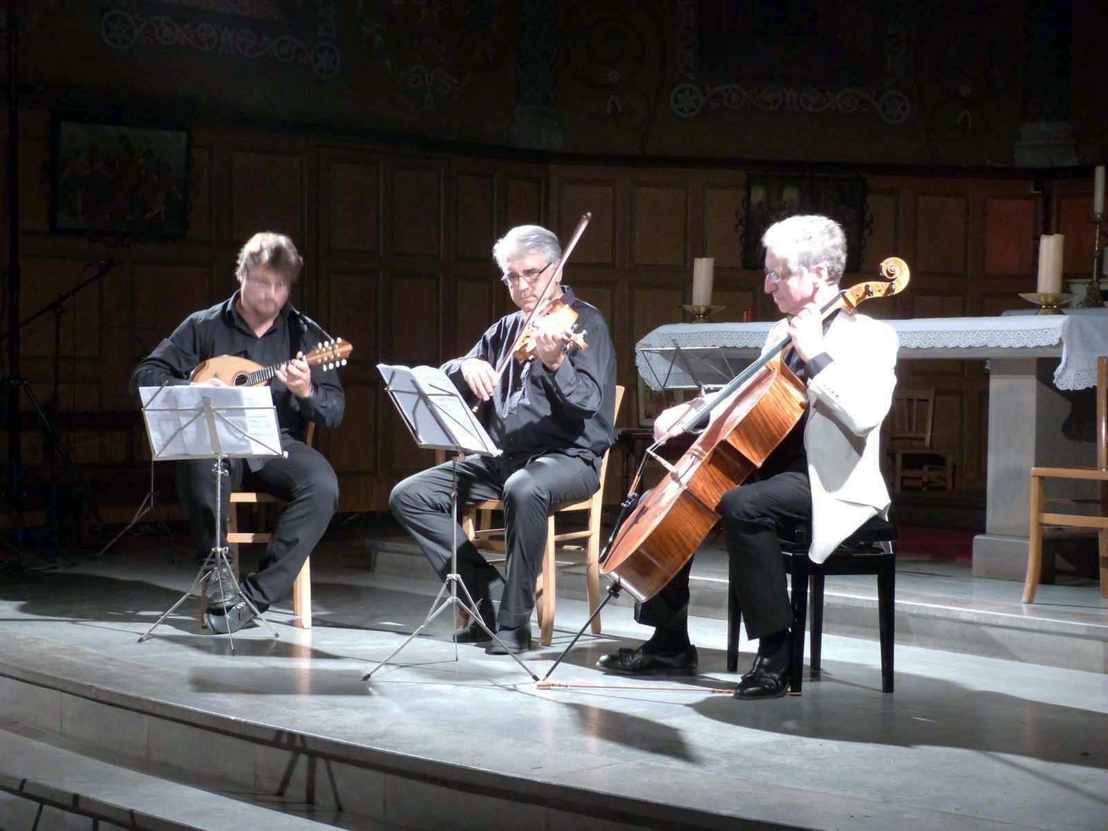 Vincent Beer-Demander, Mandoline / Pierre-Henri Xuéreb, Alto / Yehuda Hanani, Violoncelle
