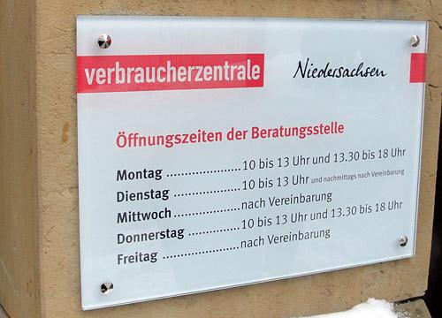 Schild Öffnungszeiten - Verbraucherzentrale Niedersachsen Osnabrück