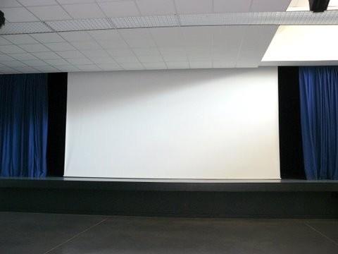 Scène avec l'écran de cinéma (6 m * 3 m)