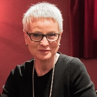 Esther Schweizer - Expertin für Bühne, Stimme, Ausdruck und Wirkung