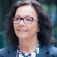 Ulrike Knauer,  Expertin für Spitzenverkauf und Positionierung mit Social Media