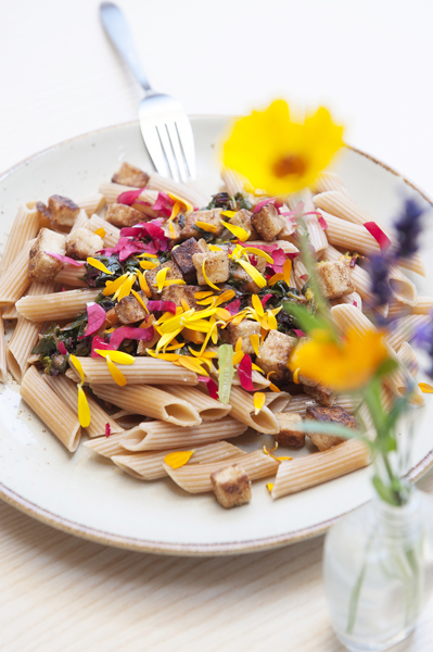 CMP, Sport, Fit and Taste, Taste & Fit, Pasta, Nudeln, im Kräutergarten, Jacqueline Flasch, berghundtal, Bio Nudeln, Vegan