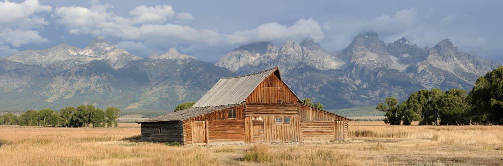 Alte Scheune vor der Teton Range / chpa0048