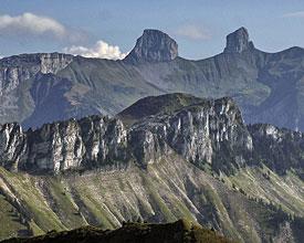 Weitwandern ohne Gepäck in der Westschweiz: Via Alpina Tour de Mayen und Tour d'Ai