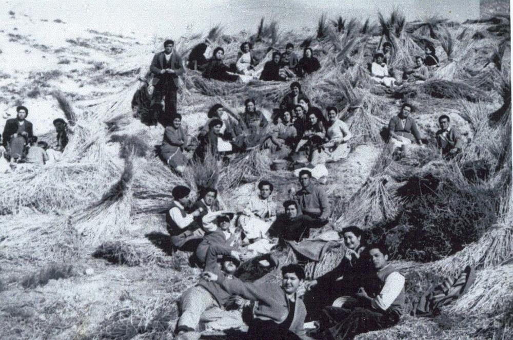 Vecinos de Galera celebrando Jueves Lardero