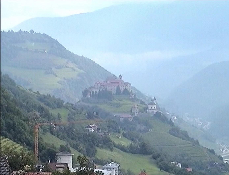 Blick zum Kloster