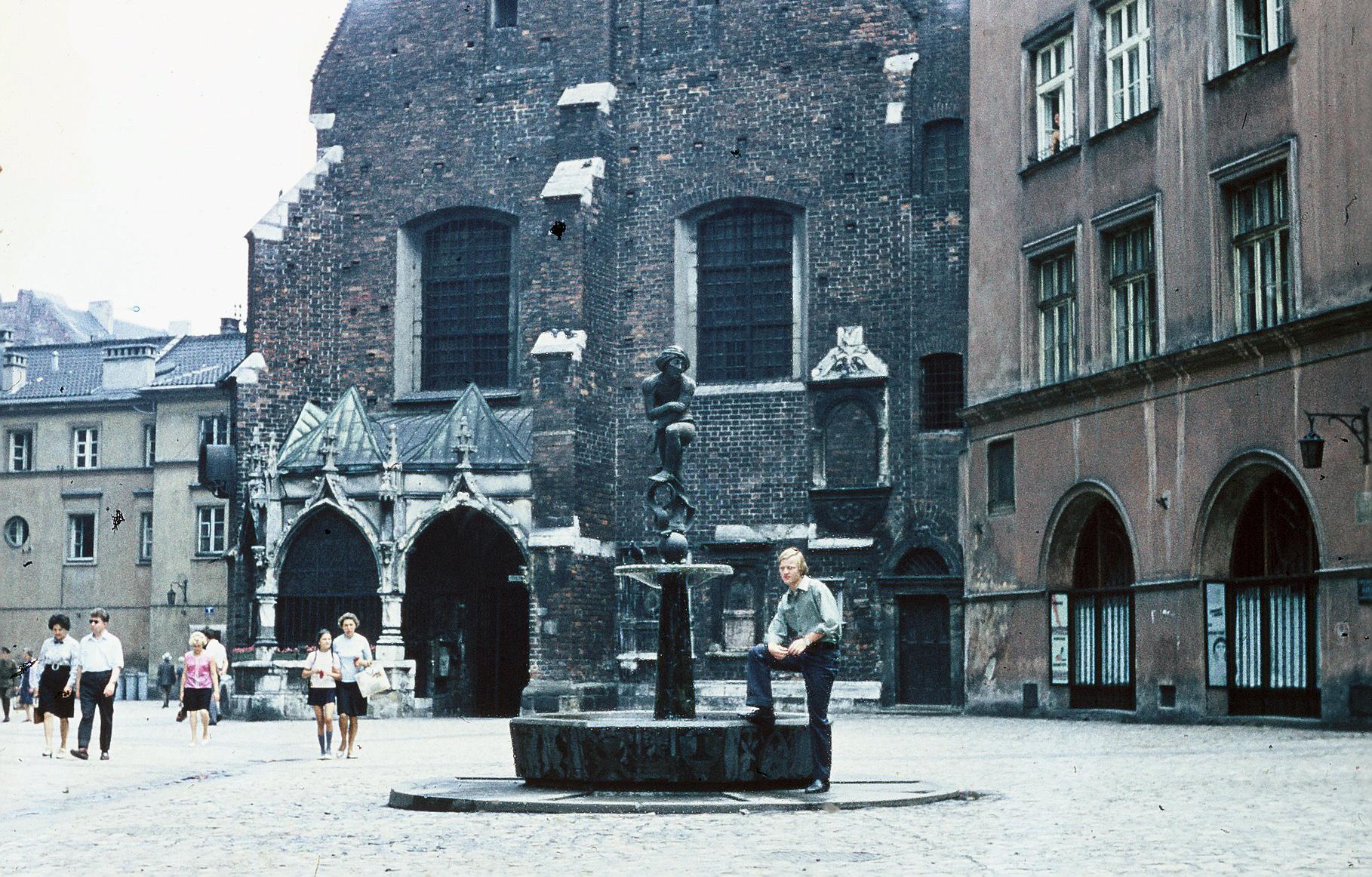 Brunnen vor Marienkirche