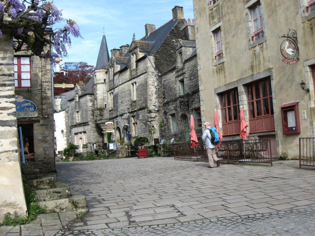 Rocheforte-en-Terre- Dorfplatz