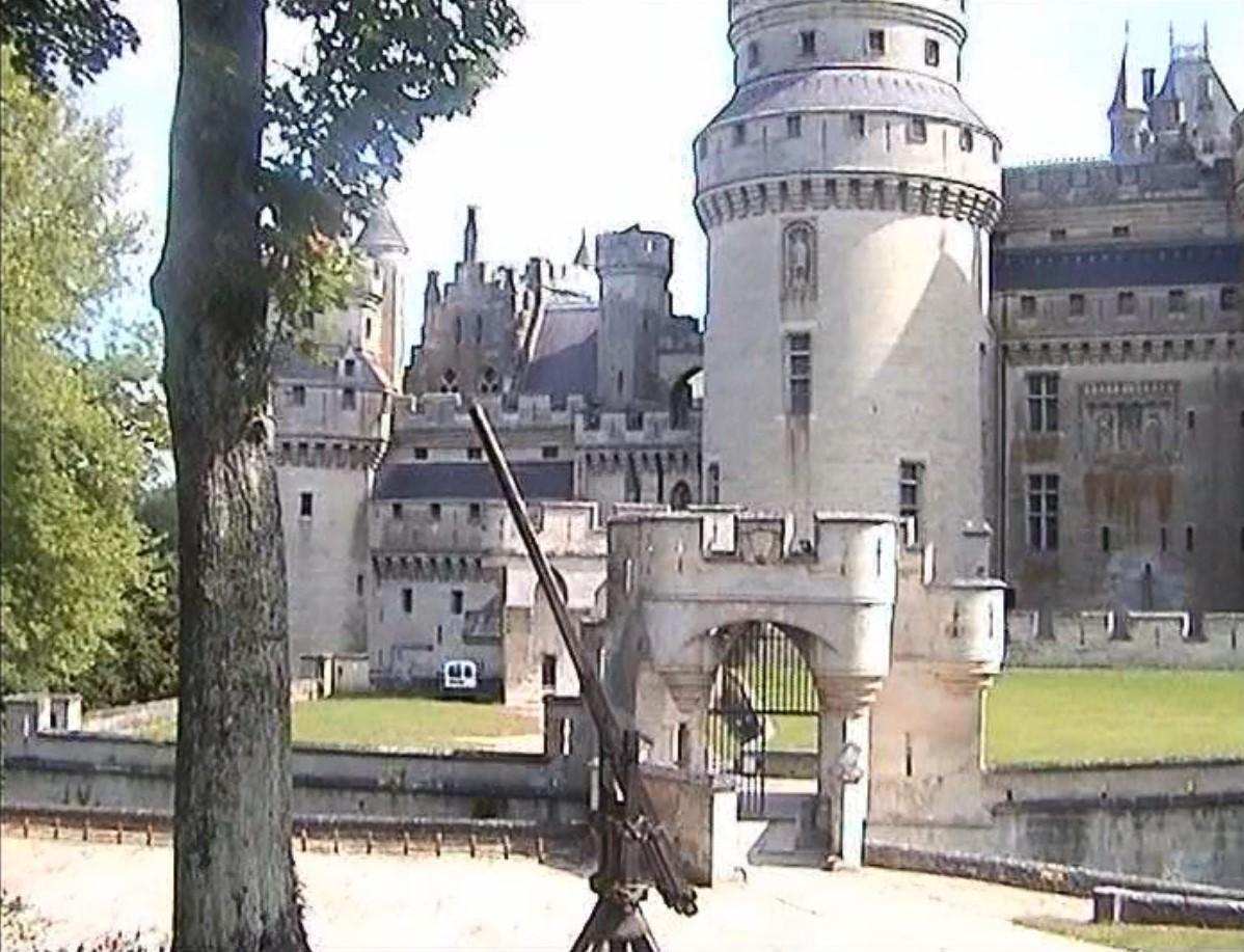 Eingang zum Chateau