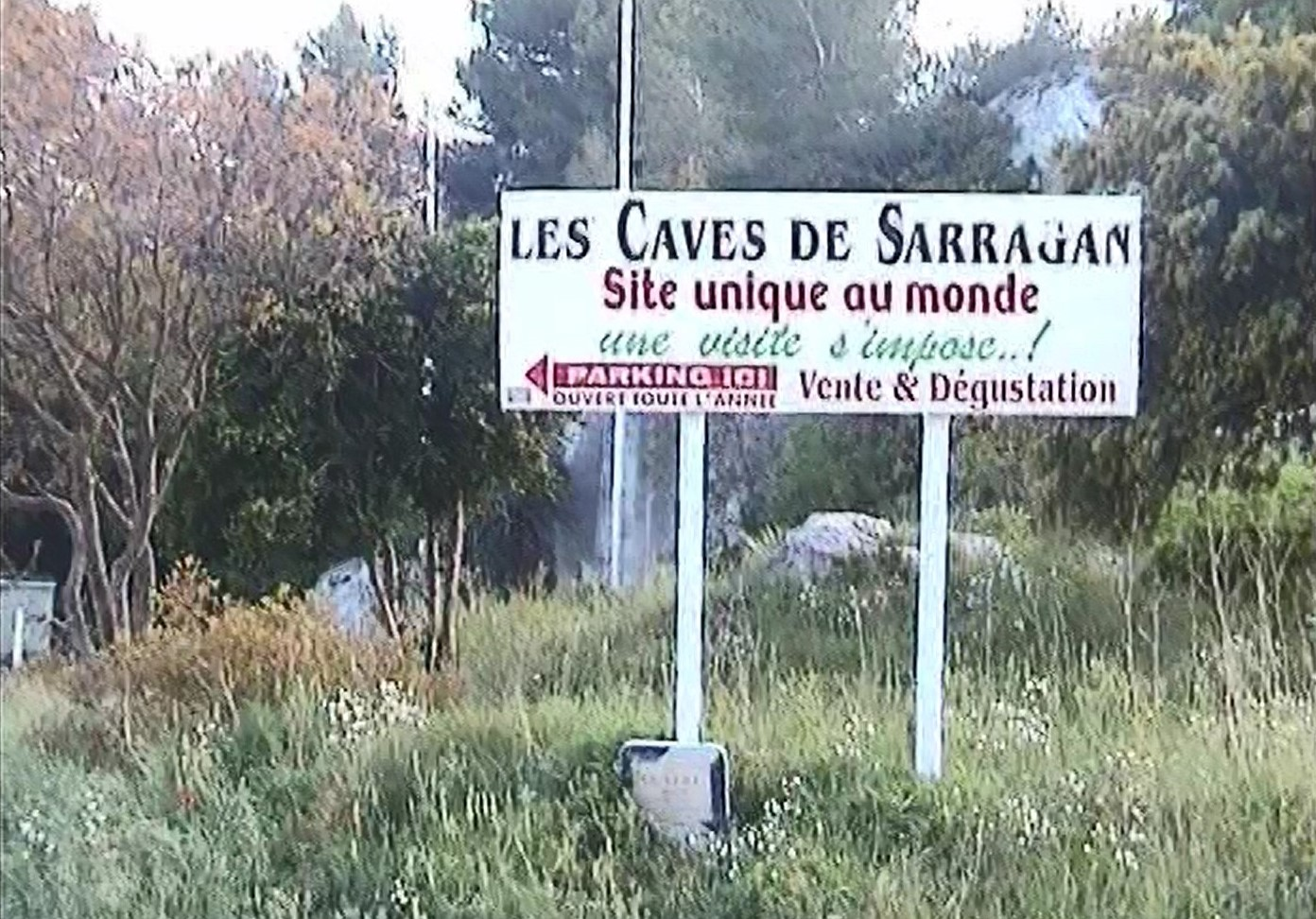 Auffahrt zum Stellplatz und der Cave