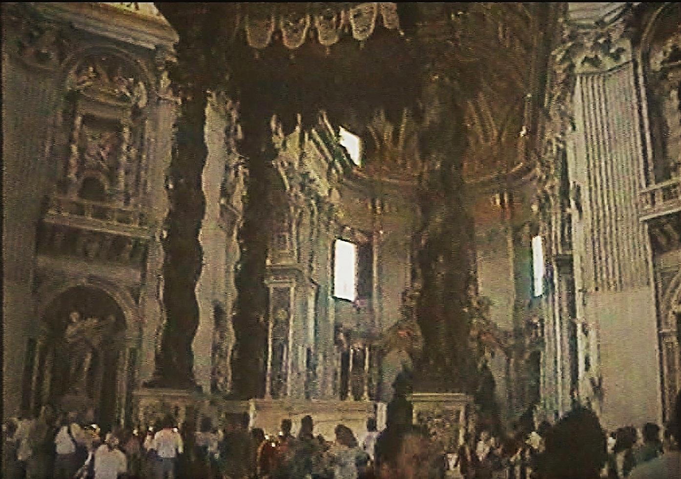 die päpstliche Kanzel im Petersdom