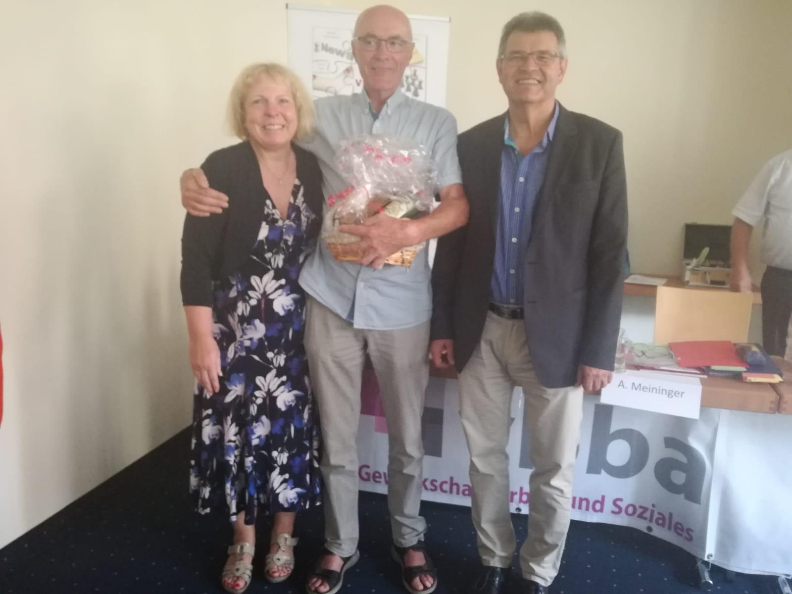 Die Jubilare Andrea Meininger, 40 Jahre vbba und Otmar Schad langjähriger Schriftführer LV mit dem BV Waldemar Dombrowski.