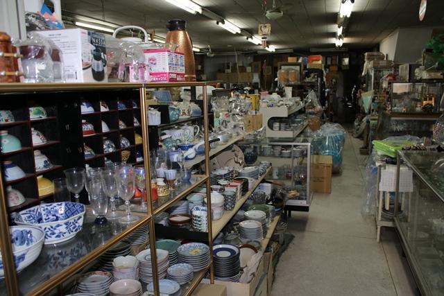 「朝野金物店」は、店先に「鍵屋重兵衛資料館」も併設。是非一度お立ち寄りください。
