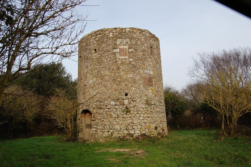 un des 3 moulins de la lande du Bosquet