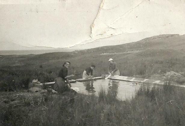 lavandières au lavoir des Fontenelles année 1949