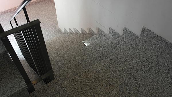 Treppenhaus aus Naturstein