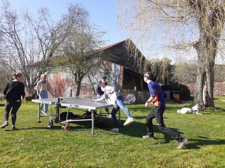 Altitude 445 - Ping-pong in de tuin