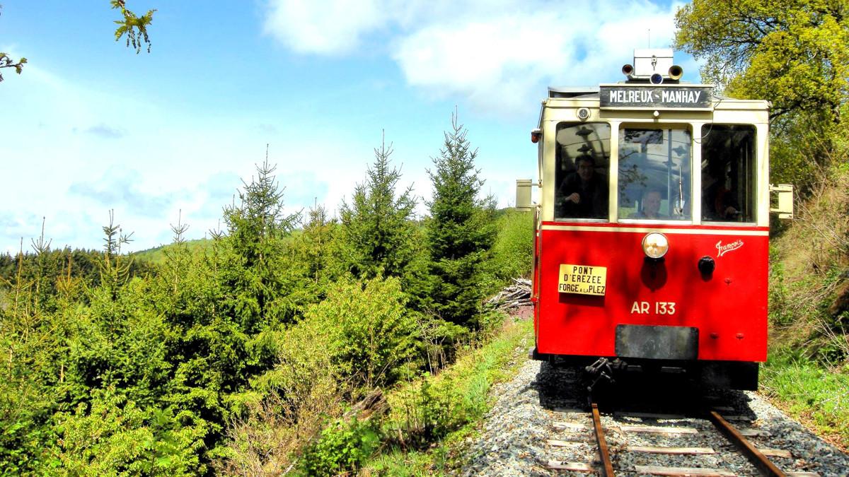 """Altitude 445   Ontdek de streek   De gemeente   De """"TTA"""", Toeristische tramroute van de Aisne"""