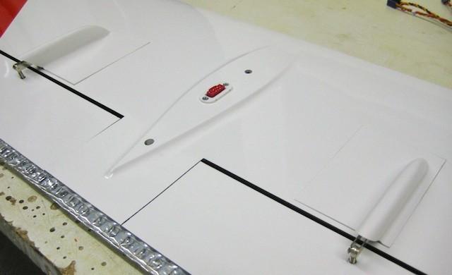 RC-Verbinding Tragflächenmittelteil-/Rumpf