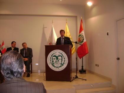 """Sr. Rafael Santos, Alcalde en la presentacion del Libro """"Pueblo Libre, Historia, cultura y tradición"""" 12-10-2009"""