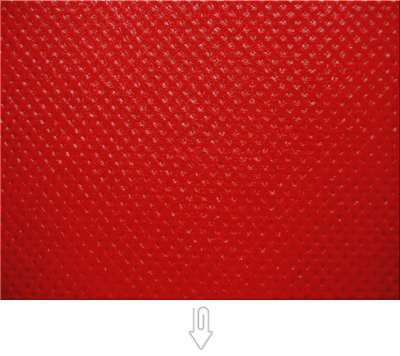 紅色の不織布