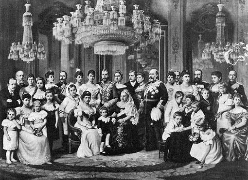Tableau de la famille de la reine Victoria (au centre). Sources: internet.