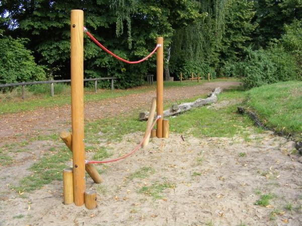 ... ein weiteres Gerät zum Balancieren, ...