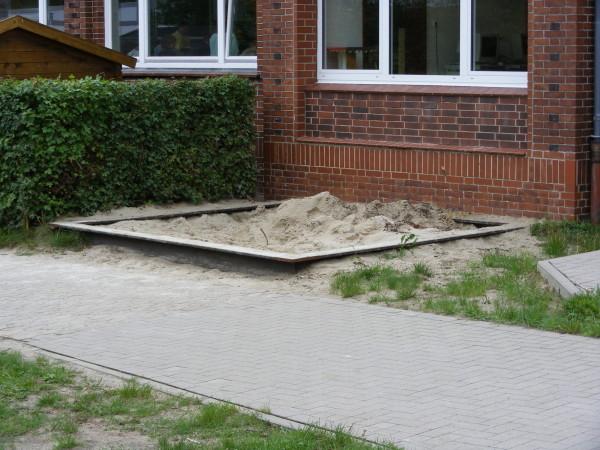 ... eine Sandgrube, ...