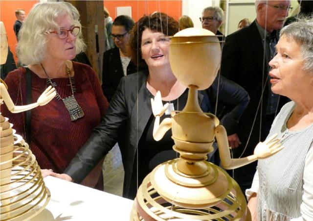 Erste Bürgermeisterin Bettina Wilhelm im Gespräch mit Marlene Gmelin.