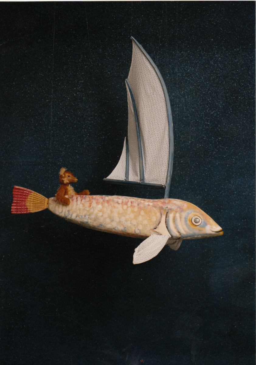 Ben the bear offers to go and get artists from all over the world. At once he starts his journey with his big fish ship