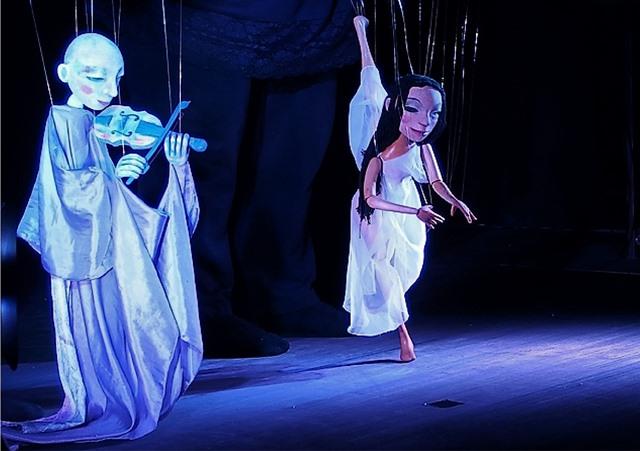 Viel Beifall bekam die Ballerina für ihren poetischen Tanz...