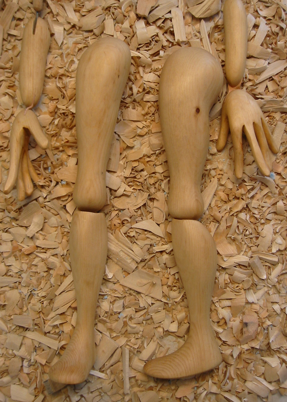 Visible joints, however, are a challenge for the marionette maker.