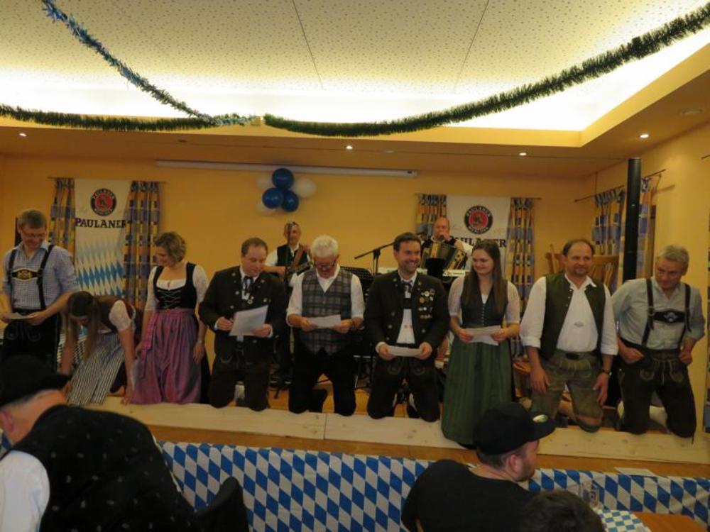 der Patenverein Niederbergkirchen beim Schönwetterbitten