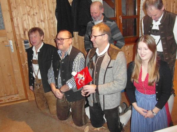 v.l. Martin Huber, Erwin Bichlmaier, Karl Huber, Christine Huber, dahinter Franz Amann, Georg Huber