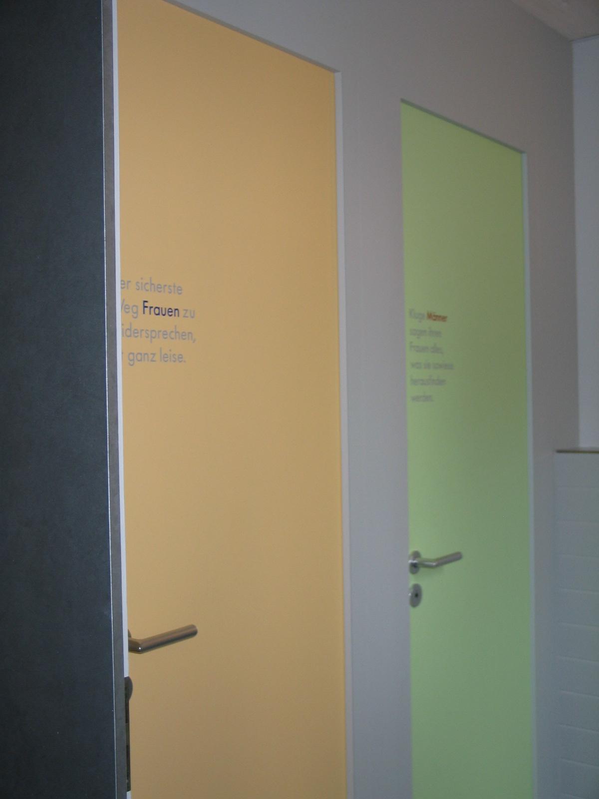 Tür-Beschriftung