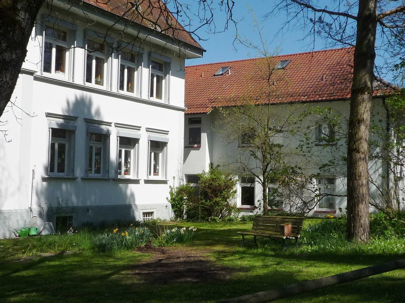 Schule, Gartenseite