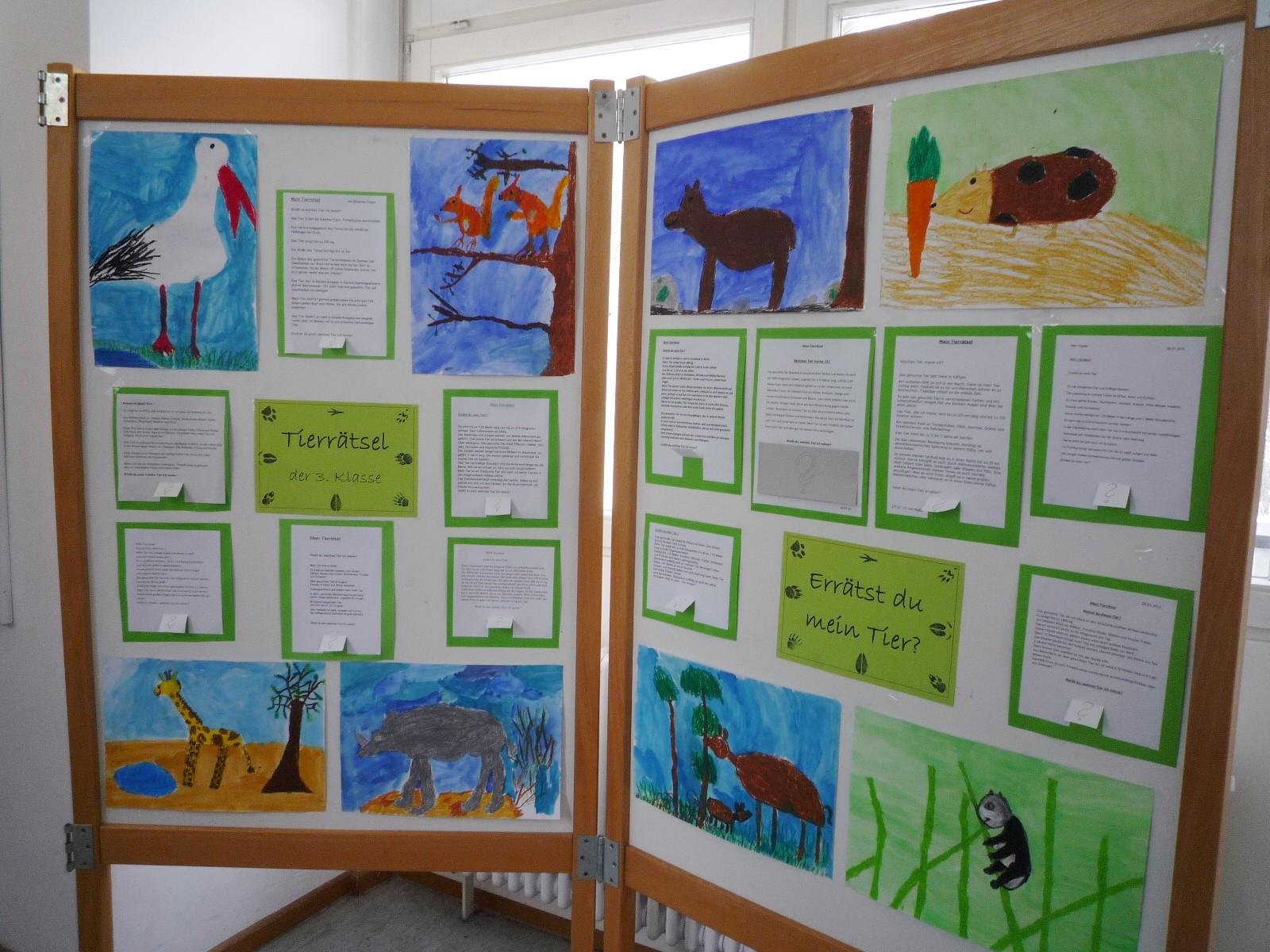 Ausstellungswände: Tierrätsel 3. Klasse