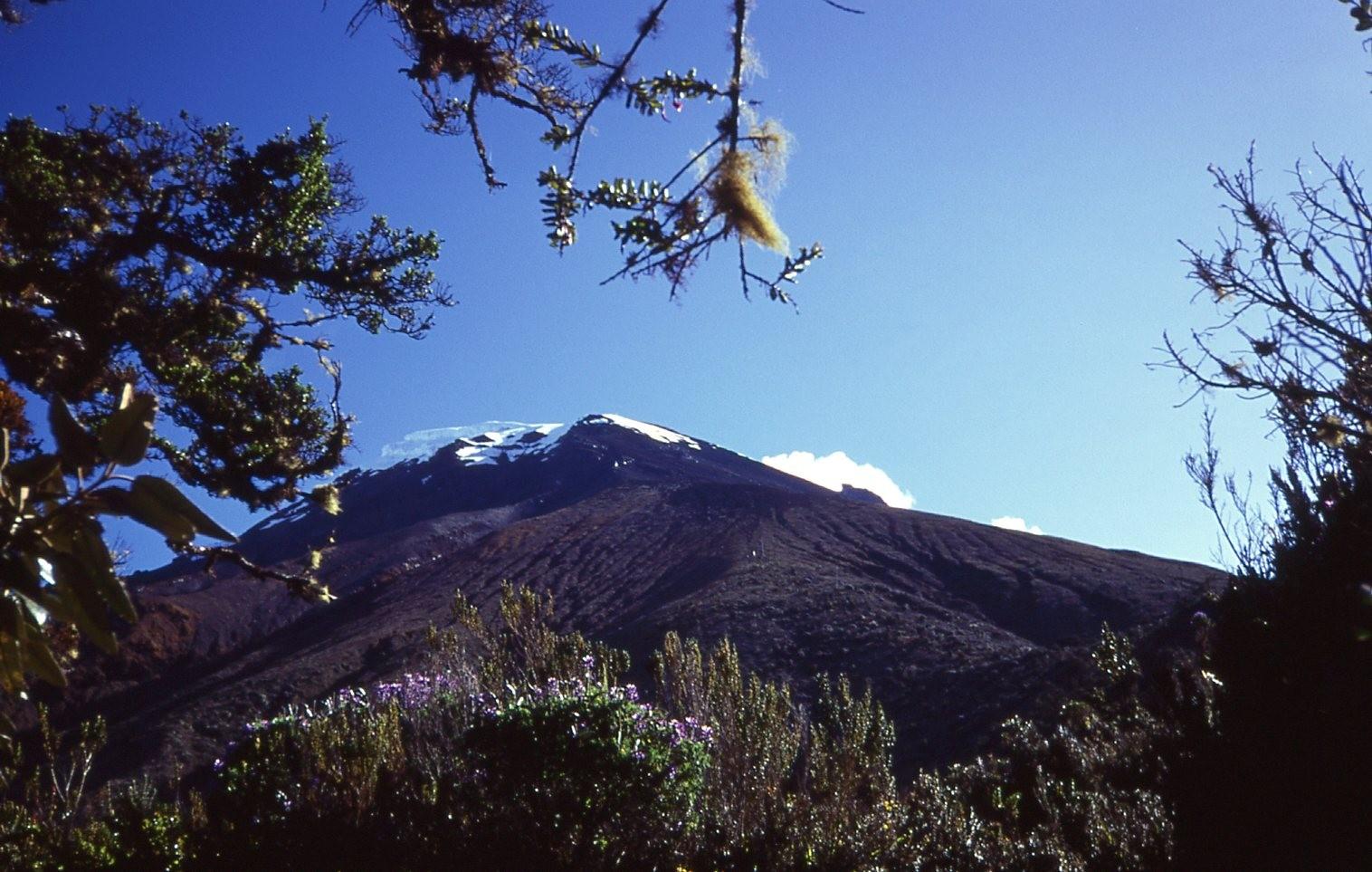 Blick von der Schutzhütte auf den Tungurahua