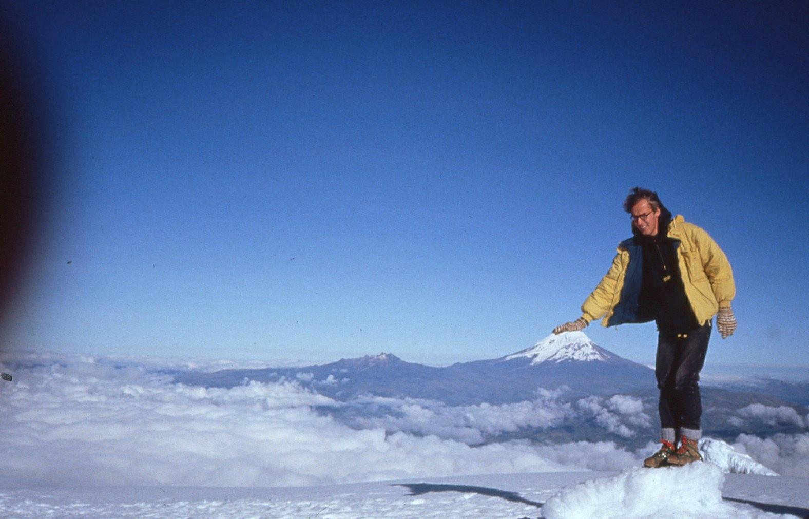 Der Cotopaxi vom Tungurahua (5016m), im Jahre 1994