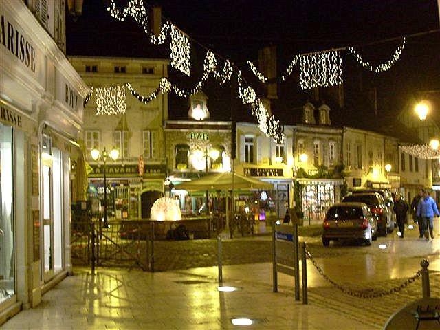 Illumination des rues des Beaune pendant la Vente des Vins
