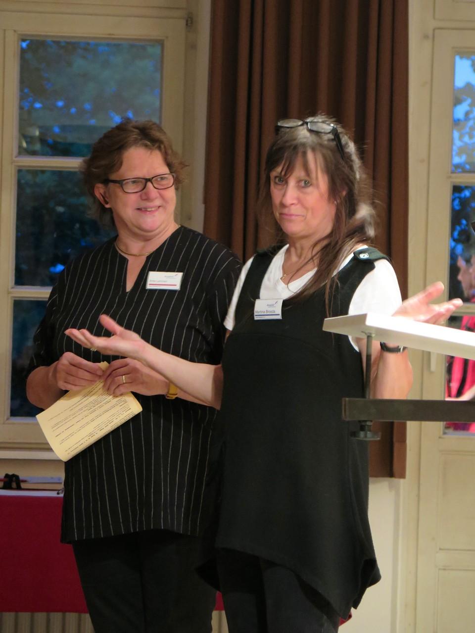 "Eröffnung der ""LesArt"" durch die Kulturbeauftragte Stadt Reinfeld Fr. Britta Lammert."
