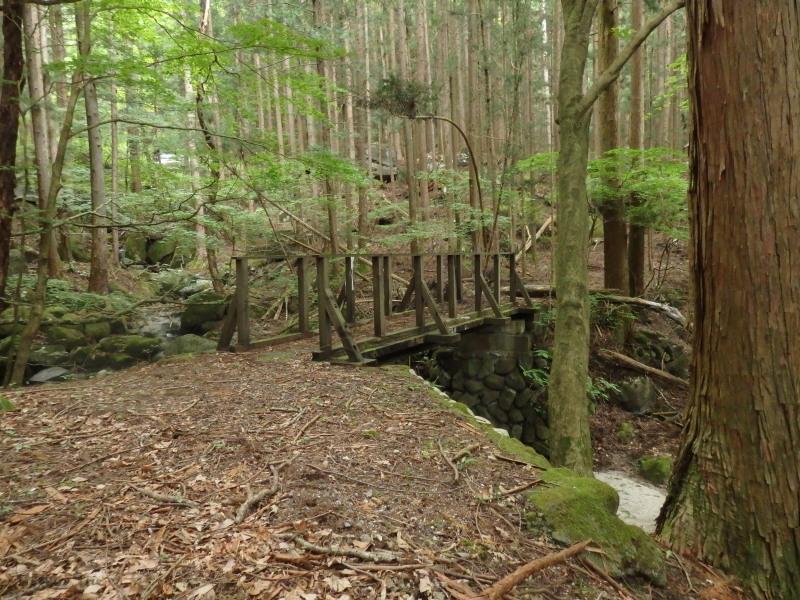 唐風呂から餅ヶ瀬に行く橋