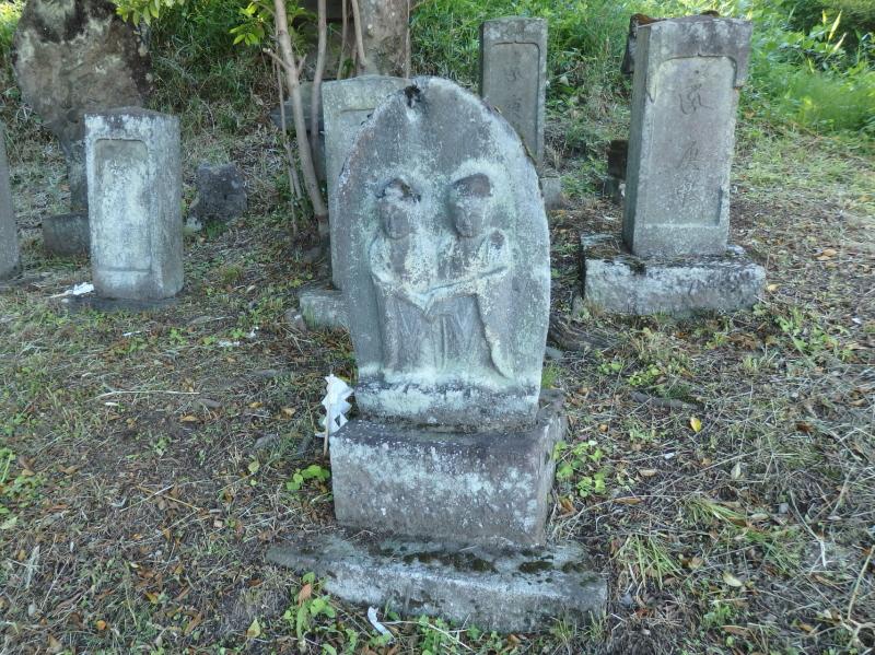 e09-2 安永五年の双体道祖神