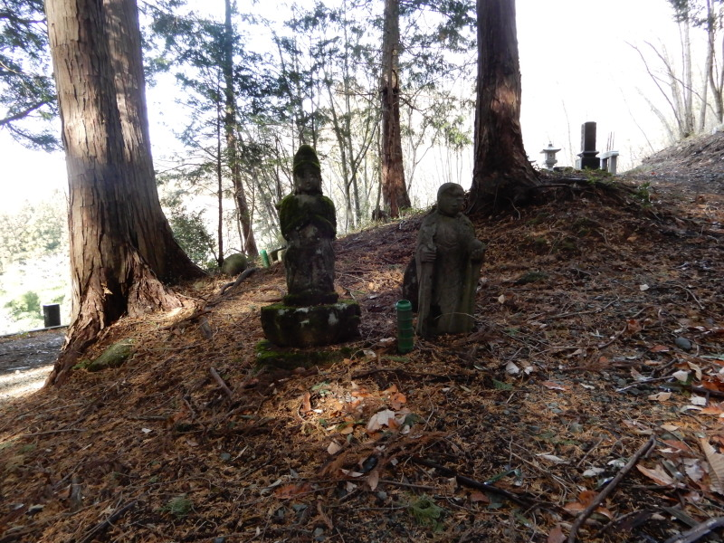 観音堂の石仏