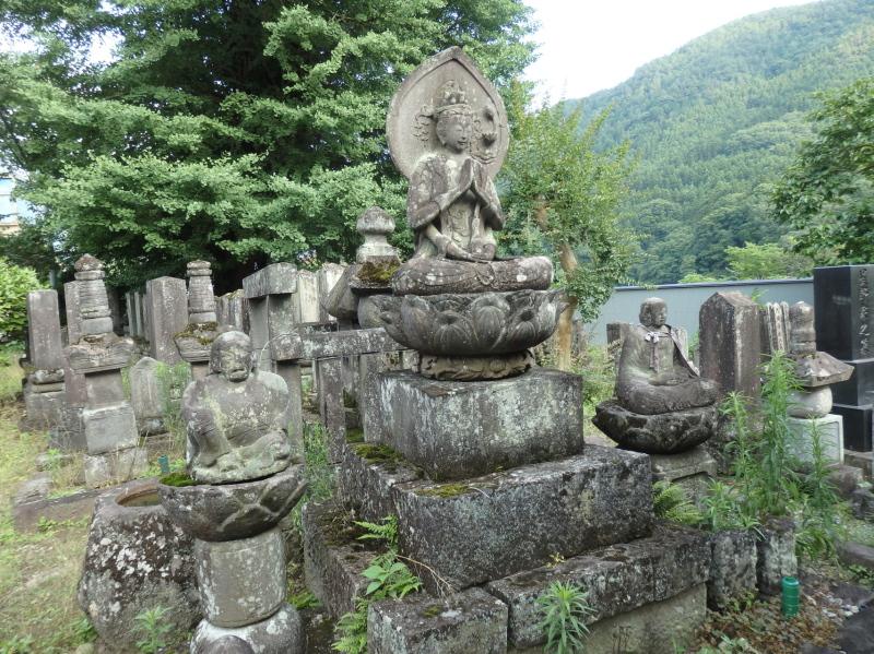観音堂の石碑