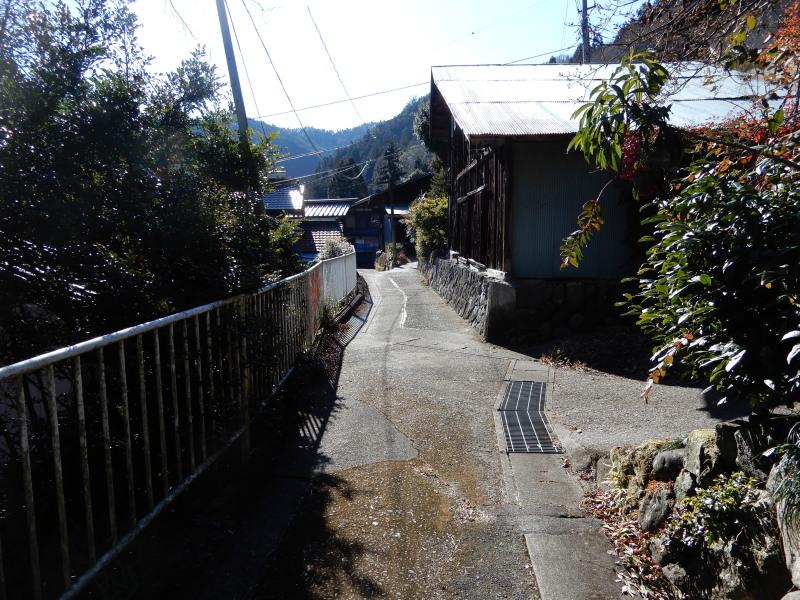 地区内の道