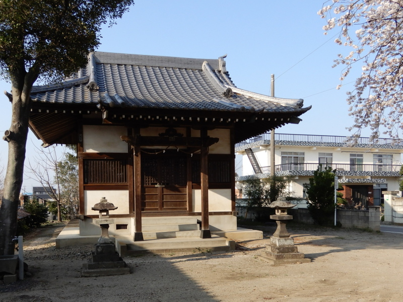 i37-1 二柱神社拝殿